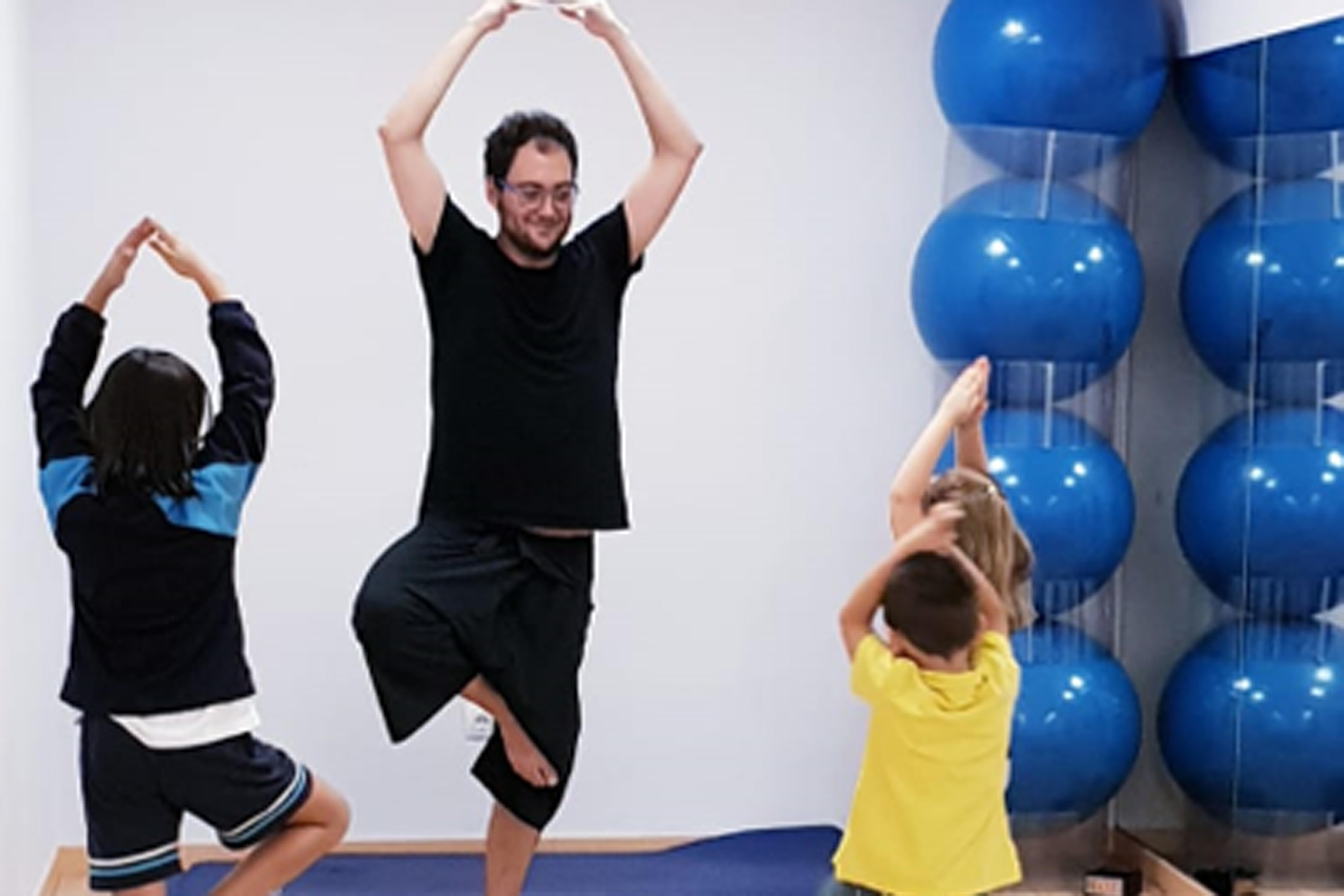 Yoga Infantil en Clínica Sanares